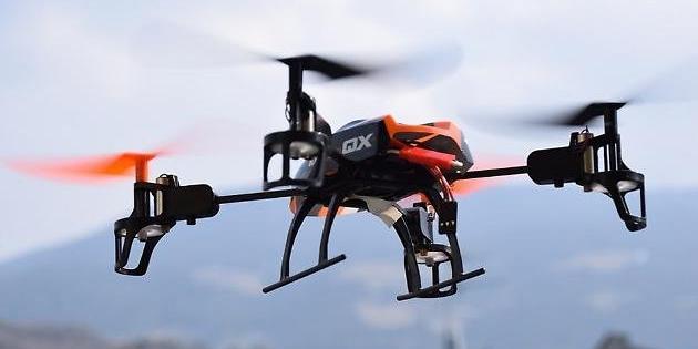 Gente in strada, controlli con il drone: sanzioni più dure per i trasgressori
