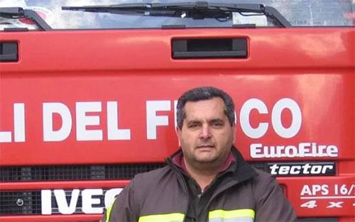 Contagiato dal virus, muore il vigile del fuoco di Teggiano Luigi Morello: aveva 56 anni