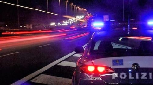 Supermarket della droga in casa a Nocera Inferiore, sequestrati di 1 chilo e 800 grammi di stupefacenti: arrestati 3 pusher