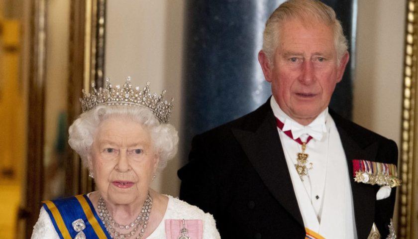 Anche il principe Carlo d'Inghilterra positivo al coronavirus: è in isolamento a Edimburgo