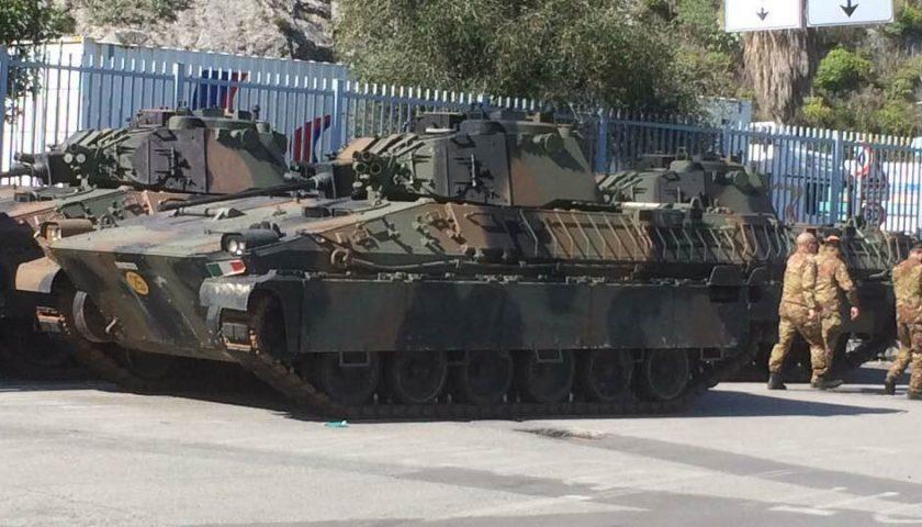 Militari davanti al Porto di Salerno, non sono per l'emergenza Coronavirus