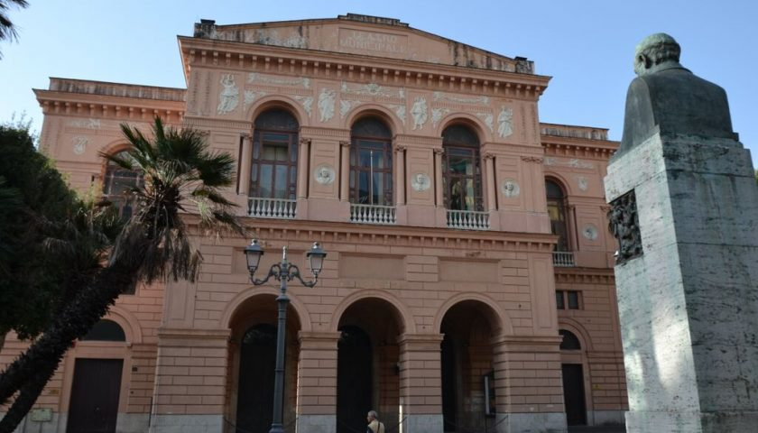 Sospese fino al 3 aprile le attività del Teatro Verdi e della Sala Pasolini di Salerno per emergenza coronavirus