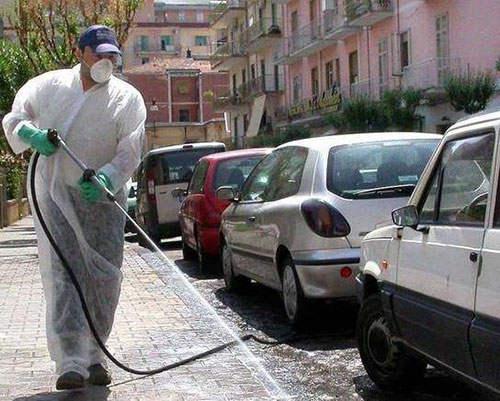 Coronavirus, strade sanificate a Salerno: dopo il centro storico oggi sarà la volta di litorale e zona orientale