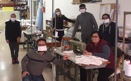 Fabbrica di Ascea avvia produzione di mascherine, verranno regalate alle fasce deboli