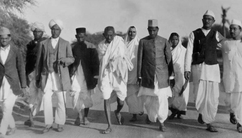 Accadde oggi: il 12 marzo del 1930 la marcia del sale di Gandhi contro la tassa del Governo britannico