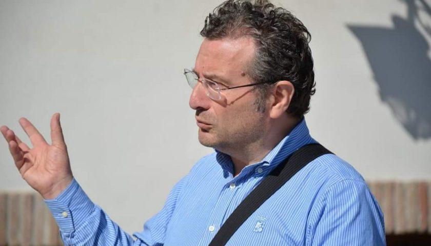 """Morte di don Brignone a causa del coronavirus, il sindaco di Caggiano: """"Un lutto che sia da monito"""""""