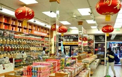 Nocera Inferiore, regala mascherine e resta aperto: chiuso un negozio e titolari in quarantena