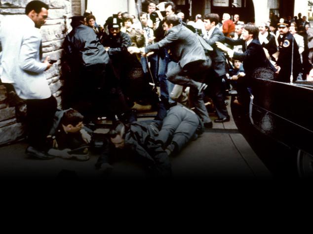 Accadde oggi: il 30 marzo del 1981 un folle spara contro il presidente degli Stati Uniti Ronald Reagan