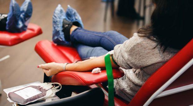 Coronavirus, dimezzate a Salerno le donazioni di sangue