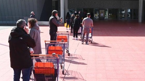 Ad Angri la spesa torna libera. Niente più entrate nel supermercato in ordine alfabetico