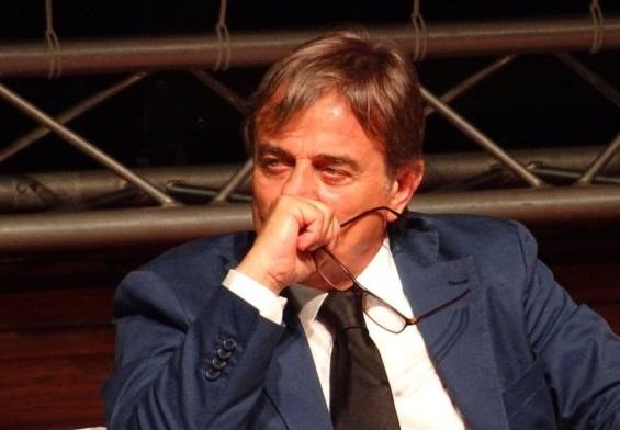Ravello – il sindaco cade dalla Vespa e va a finire al pronto soccorso