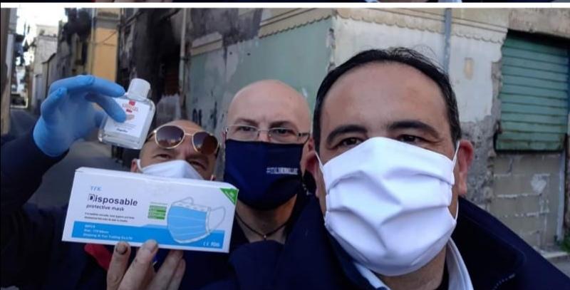 Regalava mascherine e igienizzante alla gente, l'Asl mette in quarantena l'ex sindaco di Scafati Aliberti