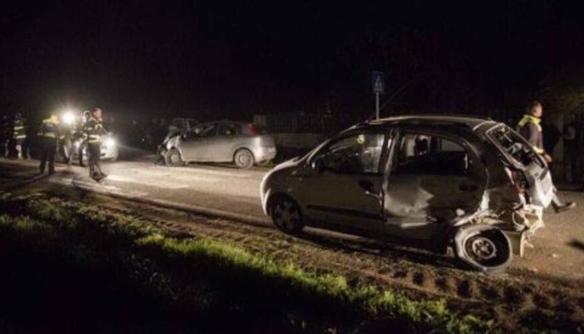 Sbanda e si ribalta con l'auto, salvato da un carabiniere consigliere comunale a Capaccio