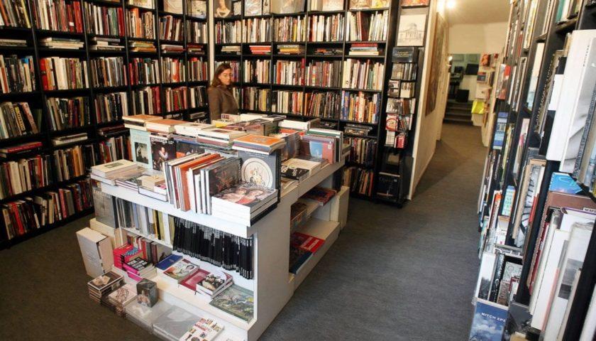 Da martedì apriranno le librerie, ma in 150 restano chiusi. Tra loro anche la Libreria Libramente Caffè Letterario di Salerno