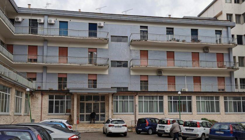 Sant'Arsenio, centro covid in ospedale. Il governatore De Luca accoglie la proposta.