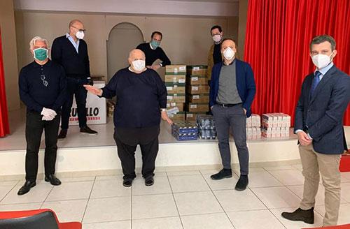 """Il Pd di Salerno dona pacchi alimentari alle parrocchie: """"Questo è stato noi onorare il 25 aprile"""""""