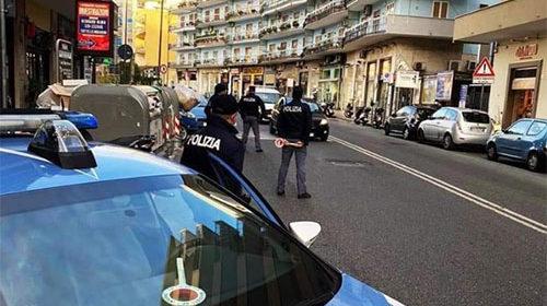 Controlli nella Movida, 206 persone controllate: arrestati due salernitani per furto di auto dell'Asl e detenzione di arma illegale