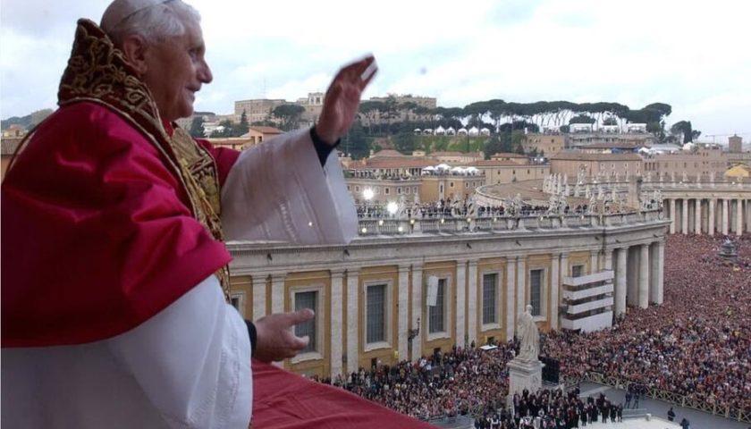 Accadde oggi: il 19 aprile del 2005 il cardinale Ratzinger diventa Papa Benedetto XVI dopo la morte di Giovanni Paolo II