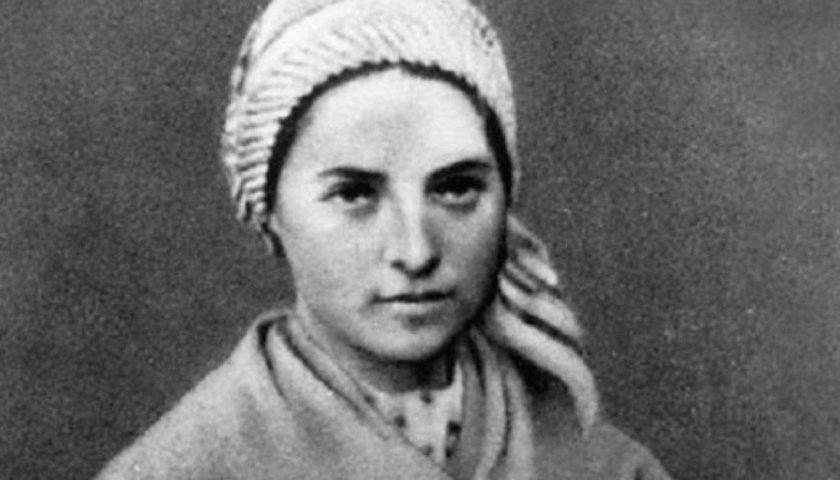 Accadde oggi: il 16 aprile del 1879 muore Bernadette, a 14 anni le apparve la Madonna di Lourdes e iniziarono i miracoli