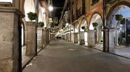 Cava de' Tirreni, i gestori dei locali della movida ricorrono al Tar contro l'ordinanza di De Luca