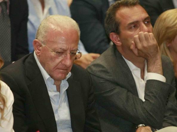 """Riaprono le pizzerie, De Magistris: """"De Luca non sa neppure come si fa il lievito"""""""