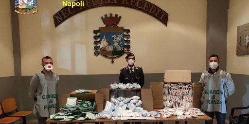 Sequestrate a Napoli 116 mila mascherine non conformi e destinate al mercato della Campania