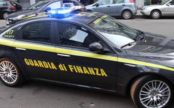 Blitz in Calabria per turbativa d'asta e corruzione: il pubblico ministero salernitano Primicerio ordina 16 arresti