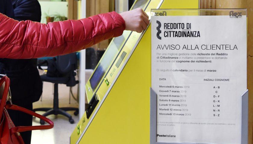 Reddito di cittadinanza: Campania prima in Italia ma nemmeno il 3% ha iniziato a lavorare