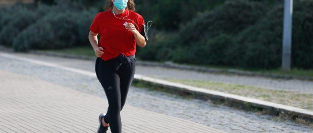 """Il dottor Alberto Macisdell'Istituto di Medicina dello Sport della FMSI: """"Pericoloso fare sport con la mascherina chirurgica"""""""