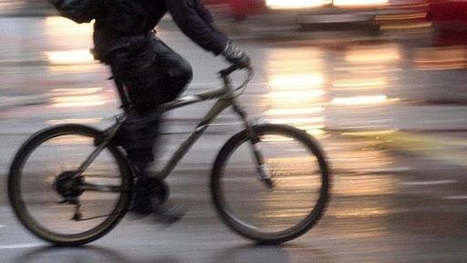 La Fiab Salerno dona una bicicletta a nigeriano affetto da problemi ai reni