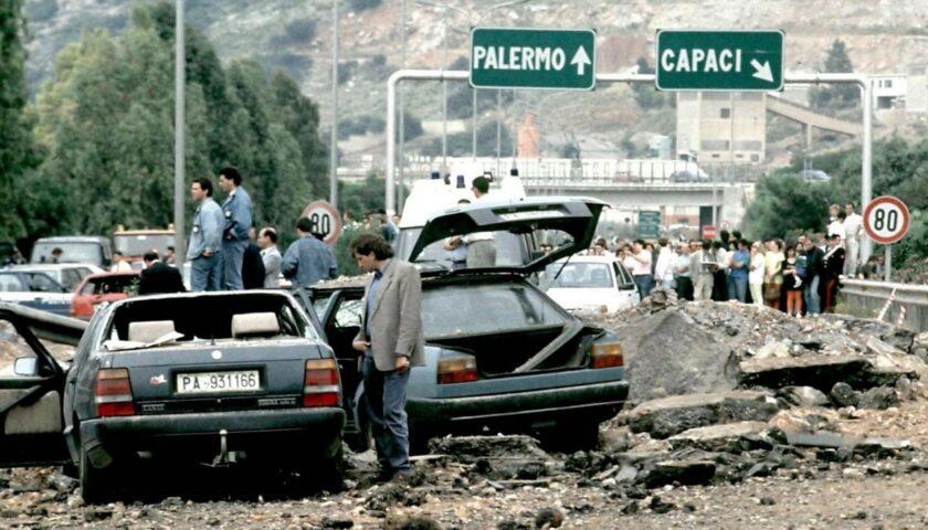 Accadde oggi: il 23 maggio del 1982 la strage di Capaci in un sabato ventoso di Palermo: morirono Falcone, la moglie e gli agenti della scorta