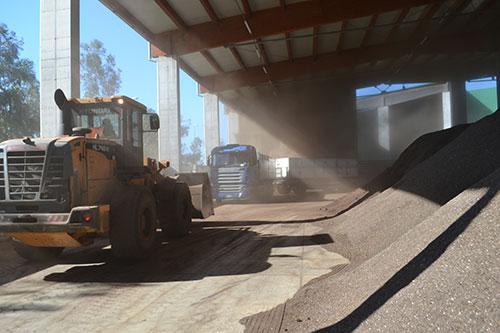 Il compost di Salerno Pulita per concimare i terreni confiscati alla camorra
