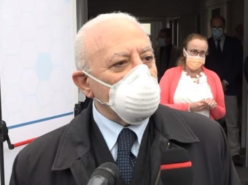 """Contagi campo rom a Scampia, De Luca: """"Situazione sotto controllo"""""""