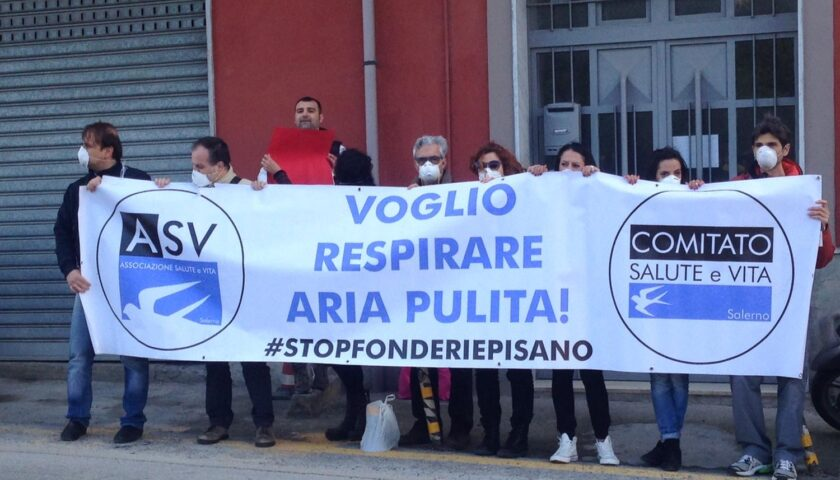 Fonderie Pisano, ambientalisti in piazza a Fratte: lettera a Mattarella