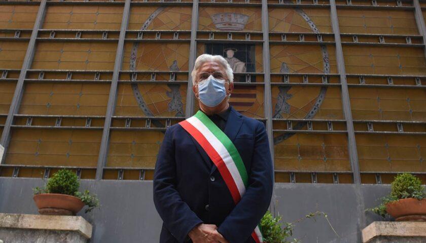 """Salerno, il sindaco: """"Situazione Covid sotto controllo"""". Stretta sugli imbarchi e presso la stazione"""