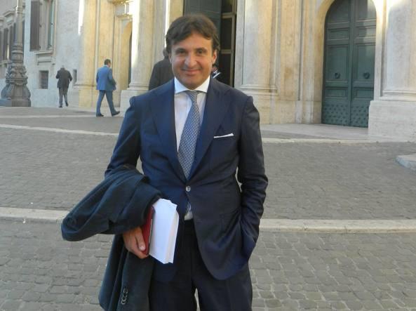 """Valiante: """"In Italia si parla di cose inutili mentre l'UE istituisce un fondo europeo di 500 mld"""""""