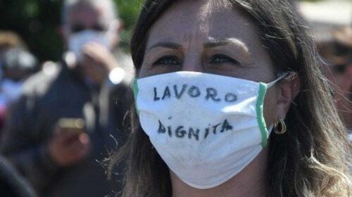 """Stagionali domenica in piazza ad Amalfi: """"Abbiamo perso anche la dignità"""""""