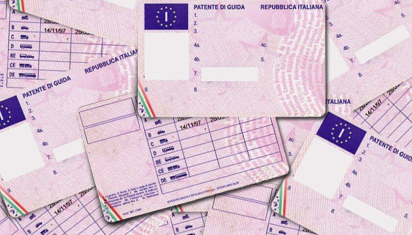 False certificazioni per patenti di guida, 20 arresti in Campania dalla Procura di Nola