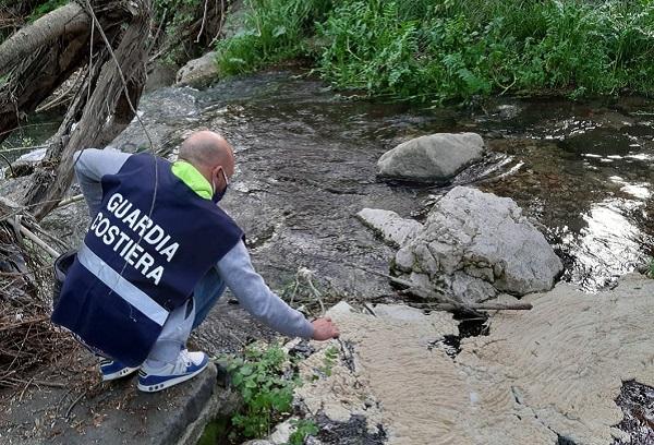 Guardia Costiera, controlli antinquinamento presso il corso del fiume Irno