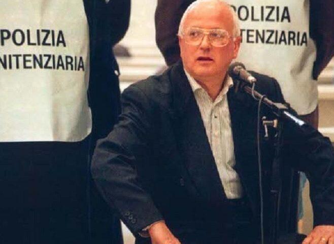 Nessuna scarcerazione, il boss Raffaele Cutolo resta al 41 bis