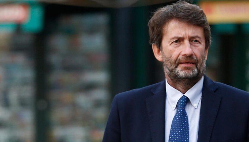 """Coronavirus, Franceschini: """"Le vacanze? Si faranno, ma saranno diverse e in Italia"""""""