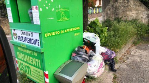 A Roccapiemonte spuntano anche televisori tra i rifiuti, pugno duro del sindaco