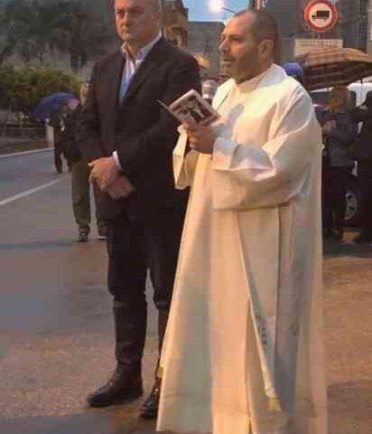 Auto incendiata al parroco, il sindaco di Sant'Egidio del Monte Albino va dai carabinieri