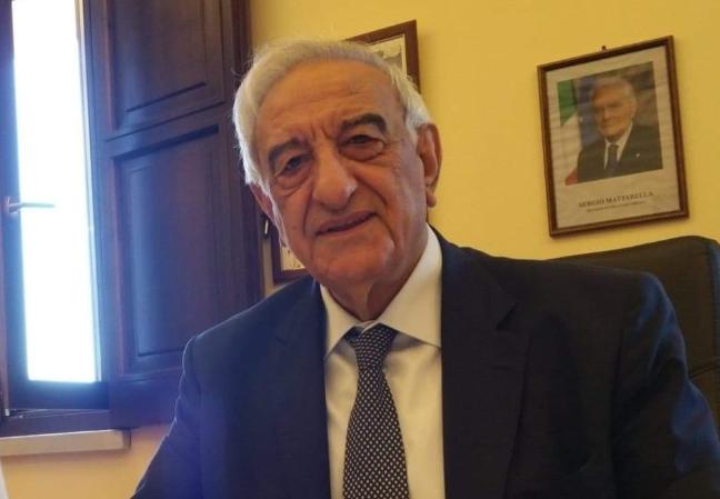 """De Luca a Polla per l'addio al sindaco Giuliano: """"Lui si che era un uomo delle istituzioni"""""""