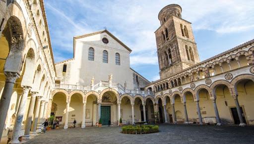 Oggi sanificazione del Duomo di Salerno, lunedì la riapertura