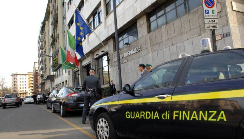 Le mani della mafia sulle sale scommesse salernitane, blitz con arresti e sequestri