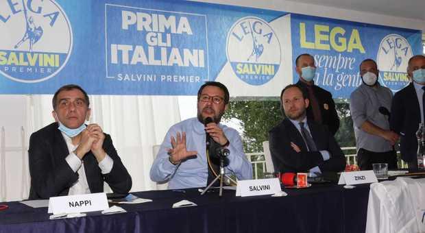 """Salvini a Napoli: """"Se il modello De Luca sono Mastella, Pomicino e De Mita glieli lascio volentieri"""""""