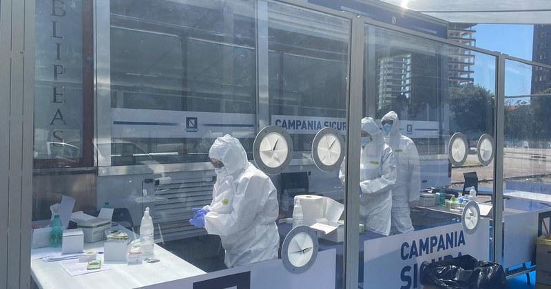 Tamponi al personale della scuola, a Salerno allestito un centro mobile allo stadio Arechi