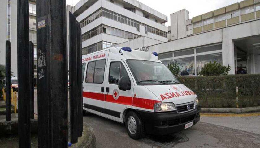 Cade dalla bicicletta sul viadotto Gatto, ciclista in ospedale