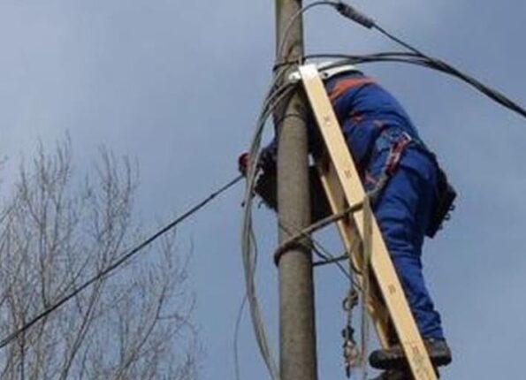 """Operaio sospeso per essere intervenuto a Pollica, l'Enel precisa: """"La sicurezza è la nostra priorità, una squadra stava intervenendo per la manutenzione"""""""
